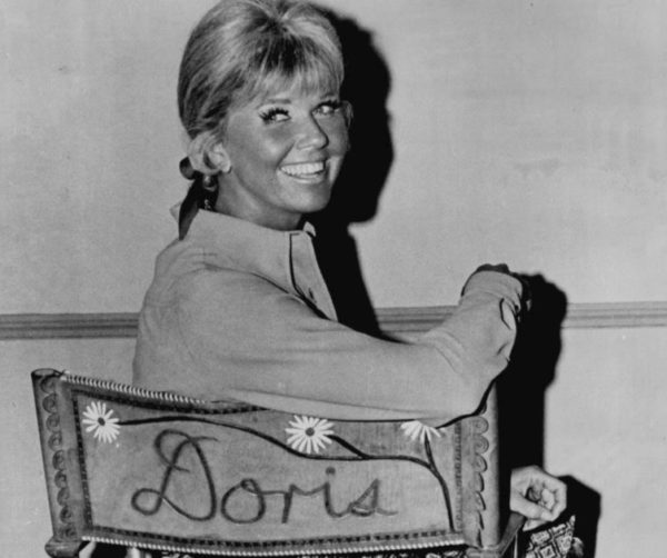 Doris Day on the set of her television program The Doris Day Show. Photo via Wikimedia Commons
