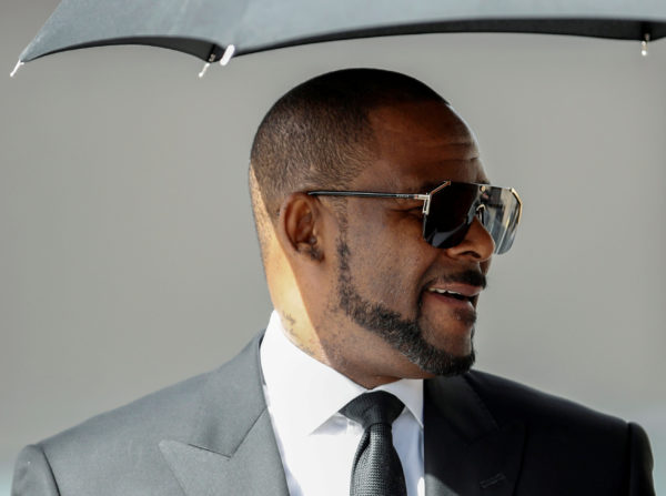 R  Kelly charged with 11 new sex-related crimes in Chicago